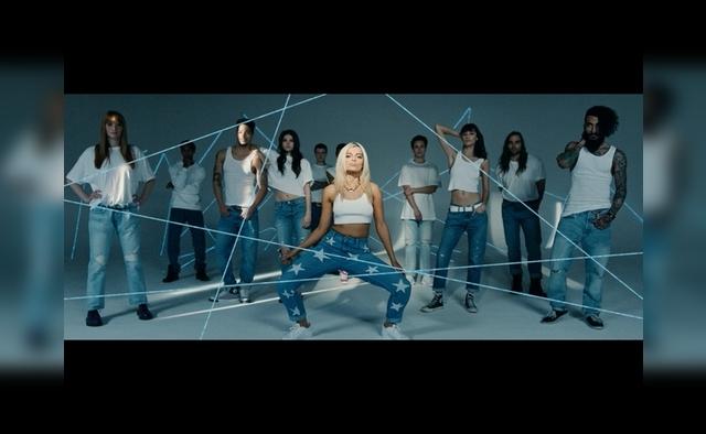 No Broken Hearts feat Nicki Minaj