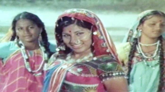 Ohh Paavurai Netthi Meeda