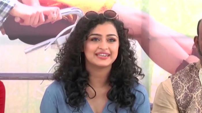 Download Lovers Day Actor Noorin Shereef Speech At Oohlala Oohlala Movie Opening Video Song From Tollywood Events Video Songs Hungama