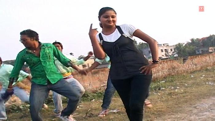 Atkal Ba Choliya Mein Jaan