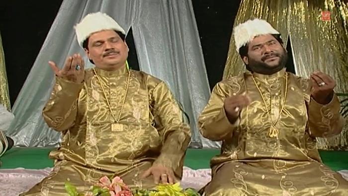 Sarkare Do Aalam Ka Roza Hai Madine Main