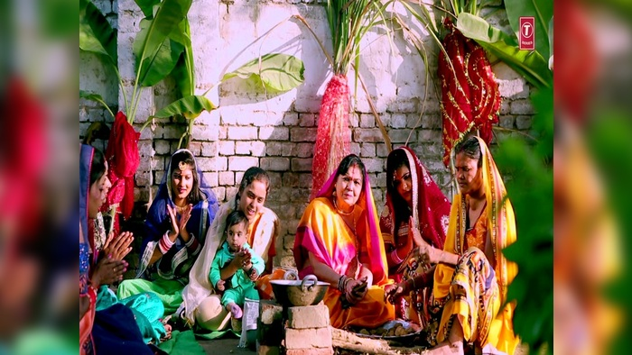 Aaju Ke Din Mori Chhathi Maiya Maithili