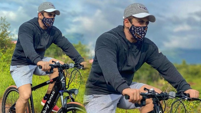 Sallu Goes Cycling
