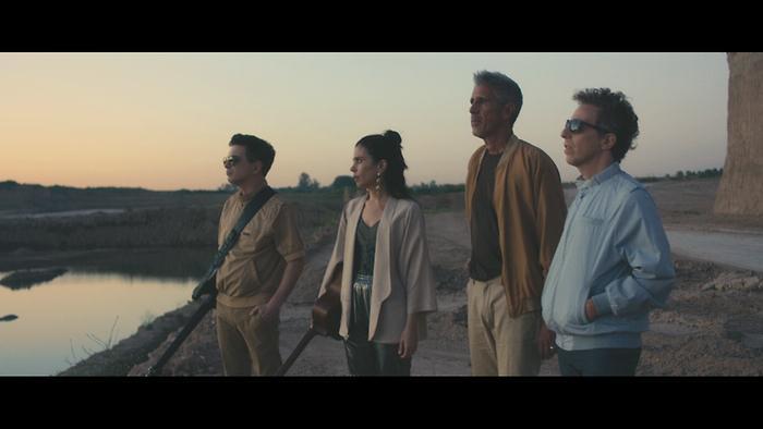 La Quietud del Movimiento Official Video