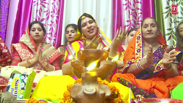 Senur Shobhela Laale Laal