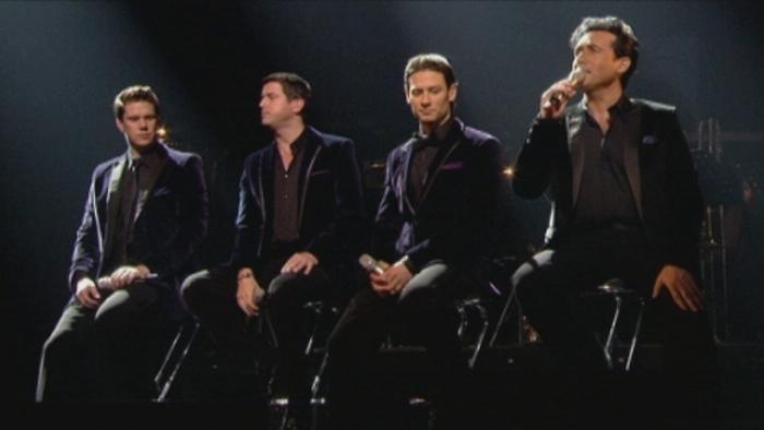 Crying Llorando Live In London 2011