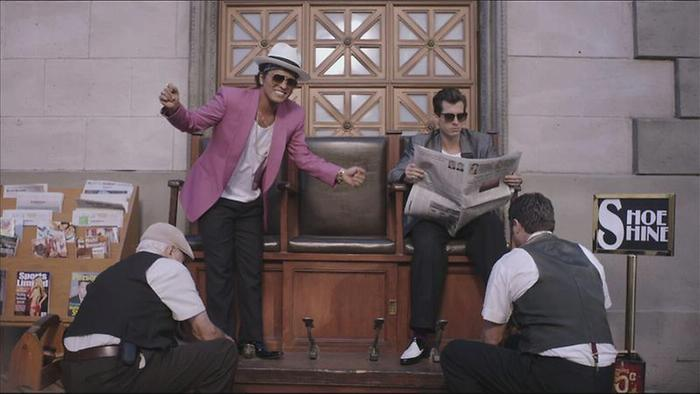 Uptown Funk Official Video