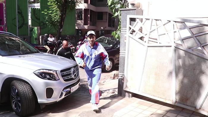 Varun Dhawan Spotted At Juhu