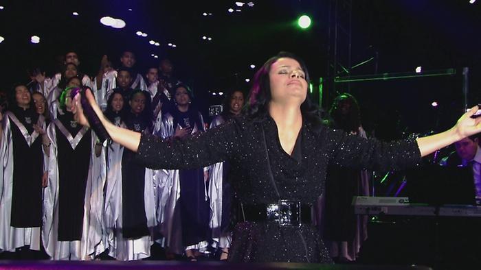 Em adoração Vídeo Ao Vivo