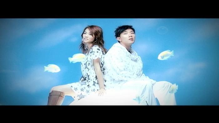 Cang Hui Yi Zhu Lyric Video