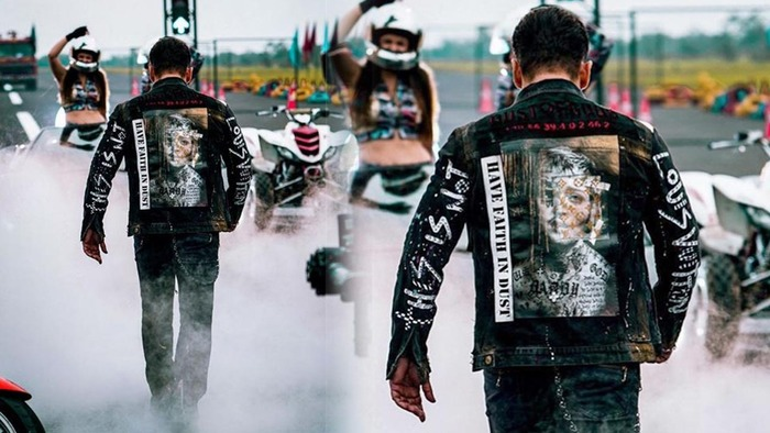 Salman Khans Dust Of Gods Jacket Is Worth In Lakhs