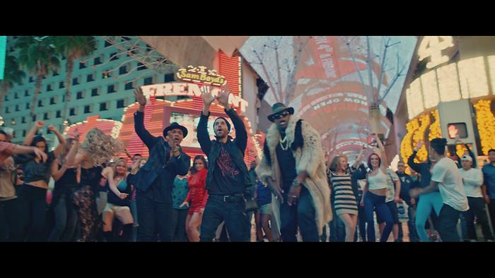Nos Fuimos Lejos Official Video