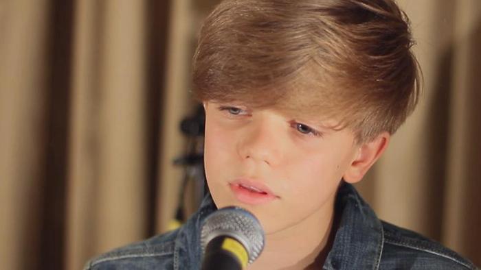 Ronan Parke Sings Make You Feel My Love Acoustic Version