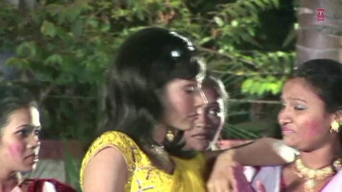 Aava Rangvala Ae Buchi
