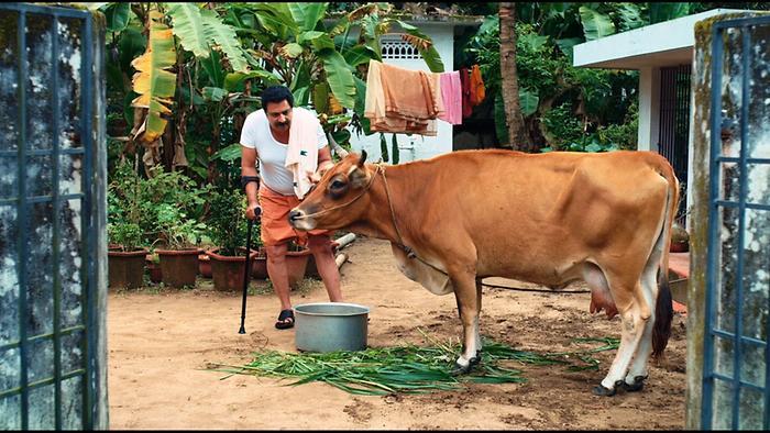 Vijay Superum Pournamiyum  Teaser 5