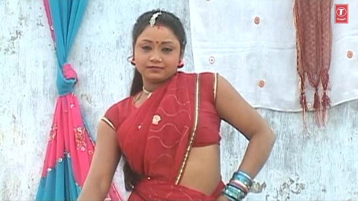 Frize Mein Dharaaika Jobanvaan
