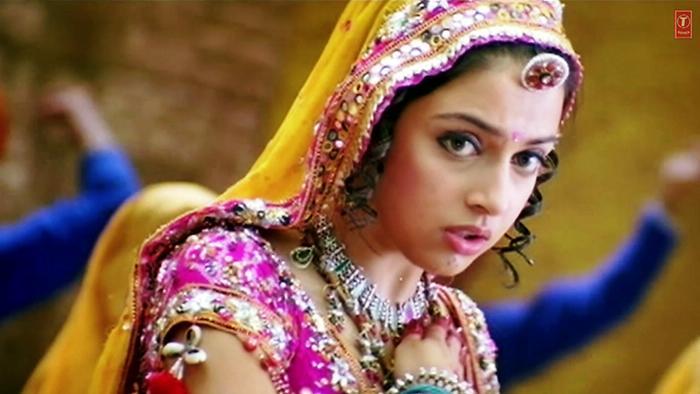 Mere Sarpe Dupatta Video Song From Ab Tumhare Hawale Watan Sathiyo Hindi Video Songs Video Song Hungama