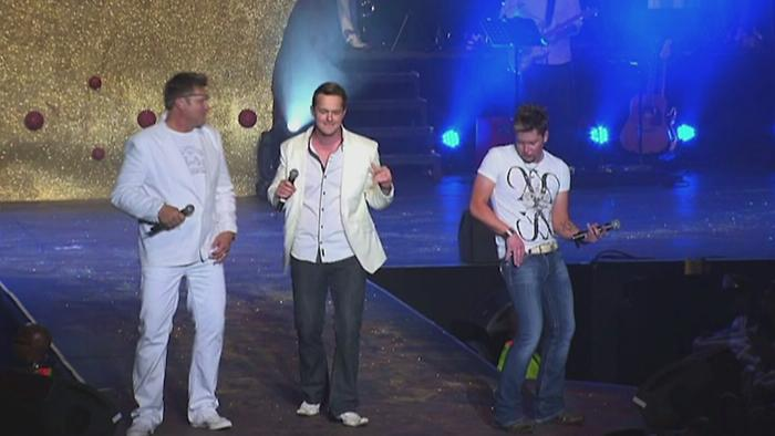Pretty Woman Medley Live at Grand West Casino Cape Town 2013 Live