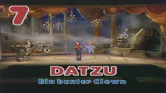 Ein bunter Clown Bong 04121986 VOD