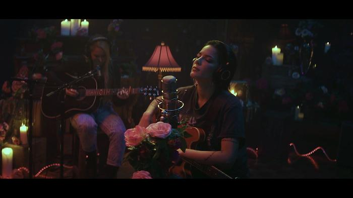 You should be sad Stripped – Live From Nashville