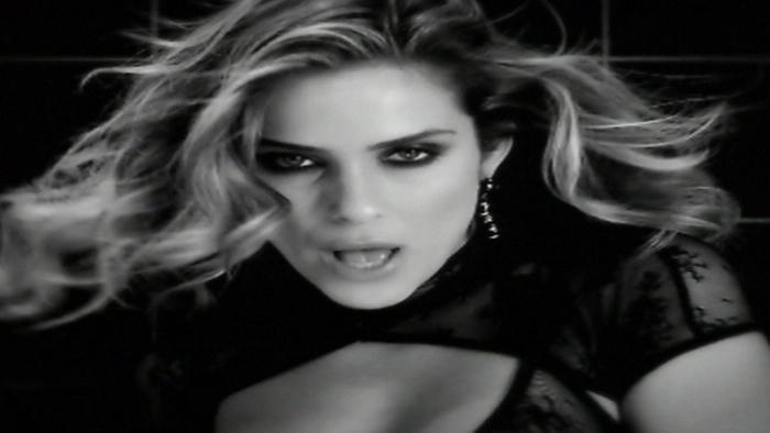 Nous Deux Video clip Hakimakli  Sandy Vee Remix