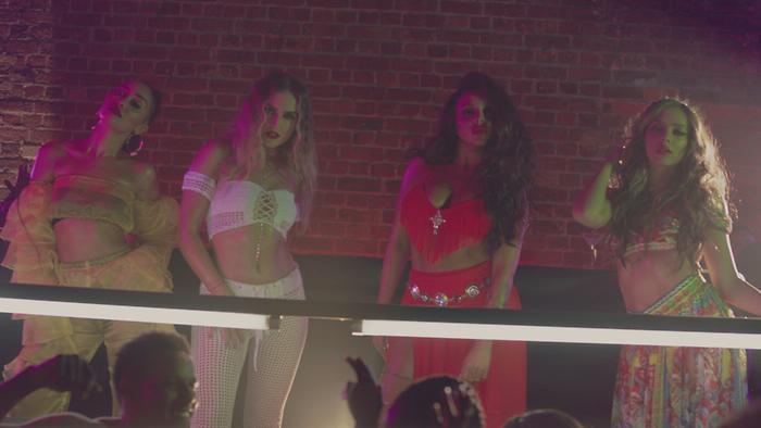 Reggaetón Lento Remix Official Video