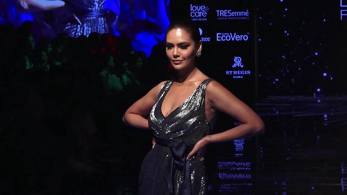 Dazzling Esha Gupta