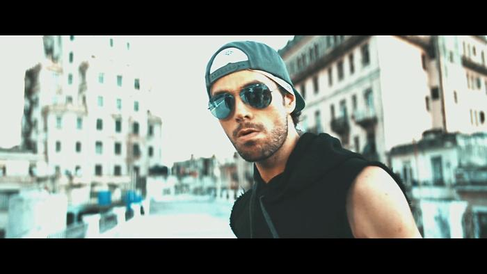 SUBEME LA RADIO PORTUGUESE REMIX Official Video