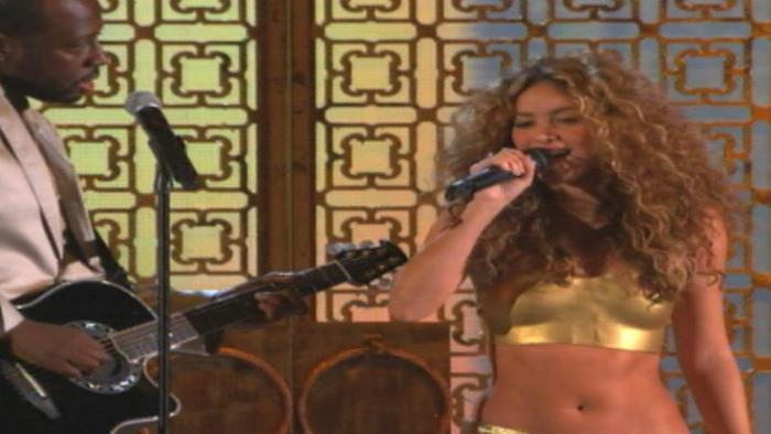 Hips Dont Lie featuring Wyclef Jean Live At The Grammys